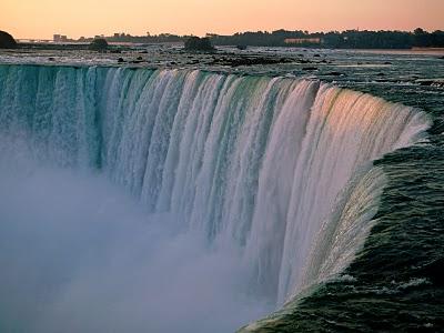 picniagara falls