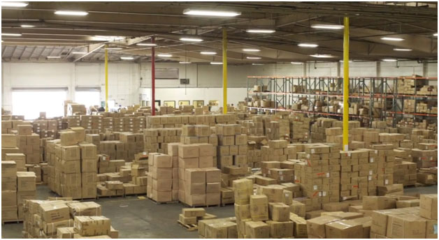 A disorganized warehouse is an inefficient warehouse. (Courtesy WPSS)